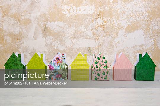 p451m2027131 by Anja Weber-Decker