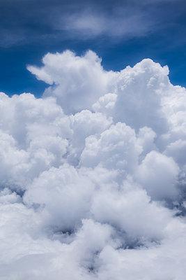 clouds - p842m1539862 von Renée Del Missier