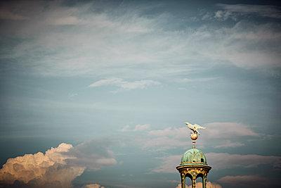 Sculpture on pavillion with domed roof, Sanssouci Palace - p851m2205880 by Lohfink