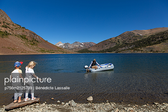 At the lake - p756m2125739 by Bénédicte Lassalle