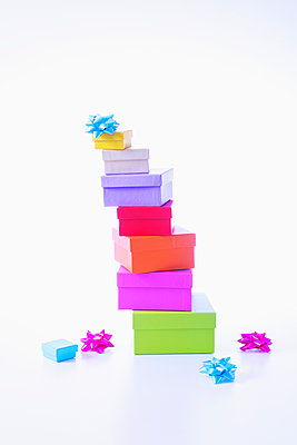 Stacked gifts - p1149m2124837 by Yvonne Röder