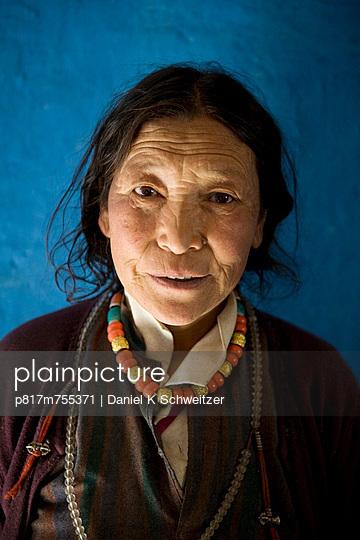 Älteres tibetische Paar - p817m755371 von Daniel K Schweitzer