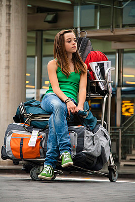 Young girl at the airport - p0460758 by Hexx