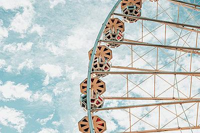 Ferris wheel - p879m2295211 by nico
