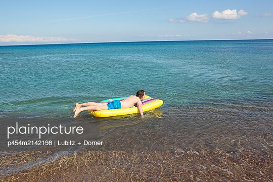 With pleasure - p454m2142198 by Lubitz + Dorner